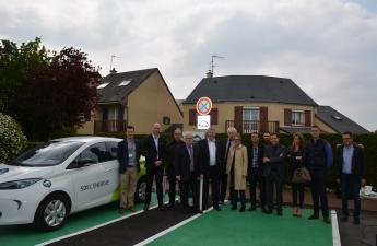 Inauguration de la borne MobiSDEC à Grentheville le 5 mai 2017