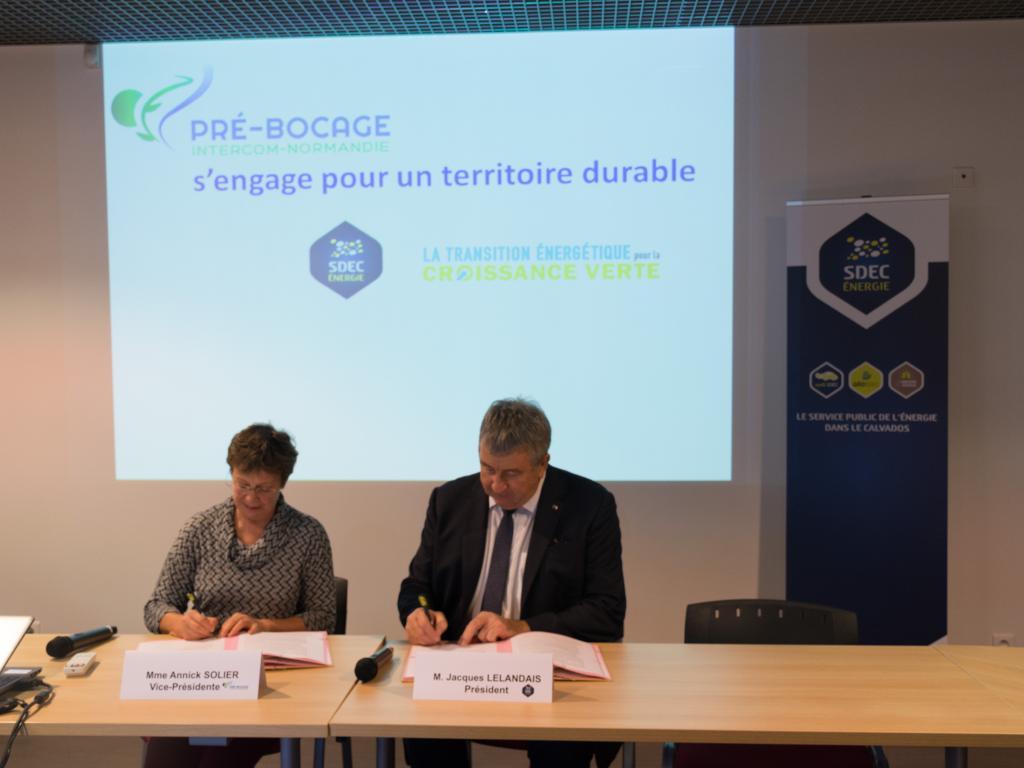 Pré-Bocage Intercom signe une convention PCAET avec le SDEC ENERGIE