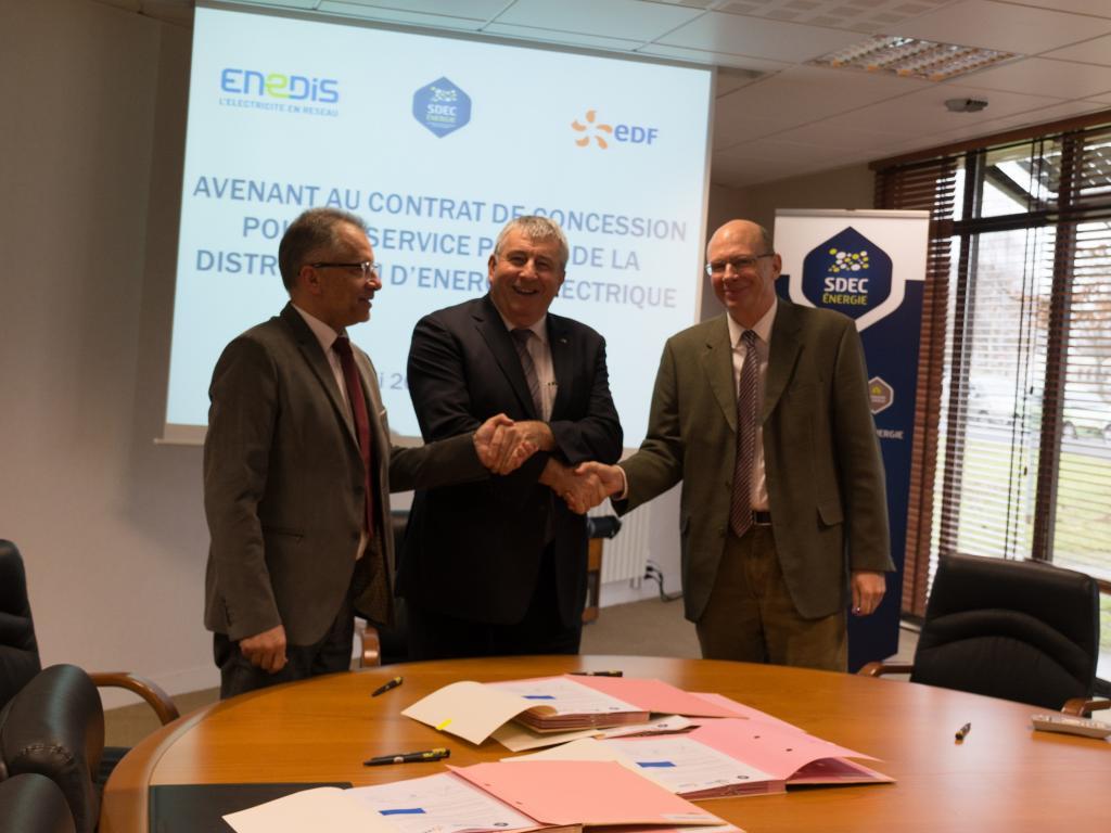 Signature de l'avenant de prolongation au contrat de concession électricité le 20 décembre 2017