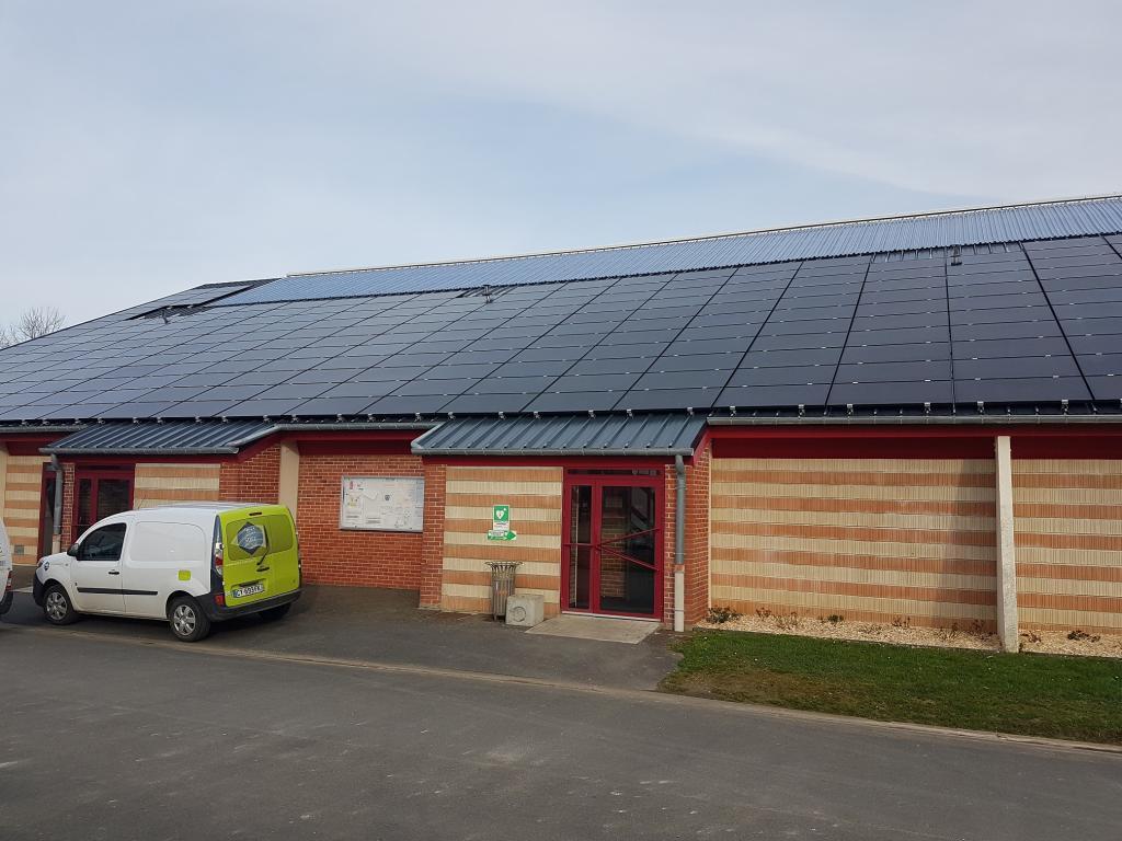 [ENR] Des panneaux photovoltaïques sur les équipements sportifs de Douvres-la-Délivrande