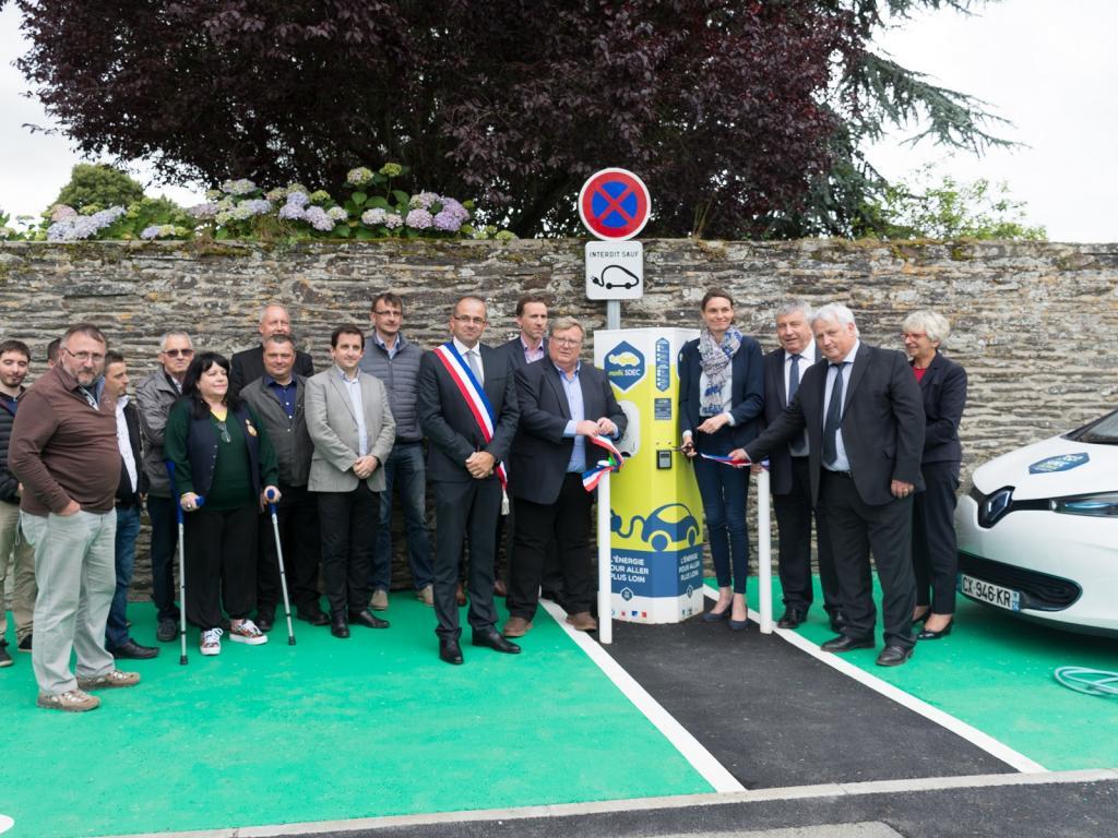 Inauguration de la borne MobiSDEC à Cormolain le 28 juin 2017