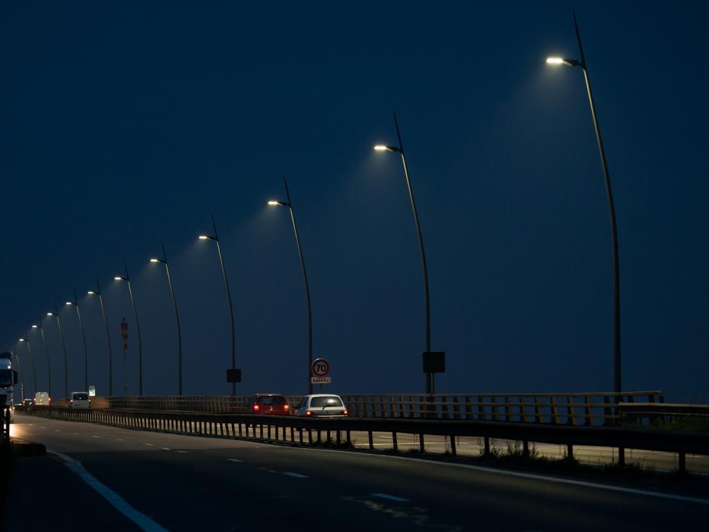 Exemple éclairage public LED : le viaduc de Calix à Caen