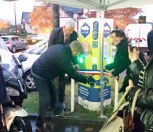 . Saint-Arnoult : inauguration de la borne MobiSDEC parking de la Mairie le 16 novembre 2016