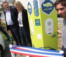 Inauguration de la borne de recharge MobiSDEC à Vire - Crédit photo OUEST FRANCE 14