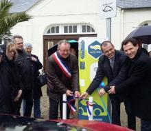 9 mars 2016 : inauguration de la borne MobiSDEC pour véhicules électriques à Grandcamp-Maisy
