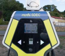 [MOBILITE DURABLE] Inauguration de la borne de recharge rapide MobiSDEC pour véhicules électriques à VIRE le 8 février 2019