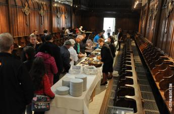 Déjeuner dans la chapelle de la tapisserie de Bayeux